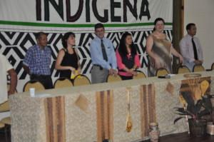 Mesa de abertura, com representantes da UNIFAP, MEC, FUNAI e do CLII