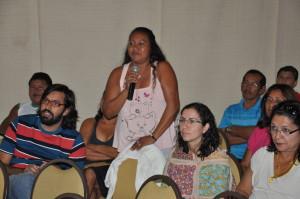 Celeide Kaxuyana, acadêmica do CLII, participando do Seminário