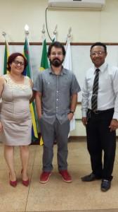 Professor Glauber Romling da Silva no centro