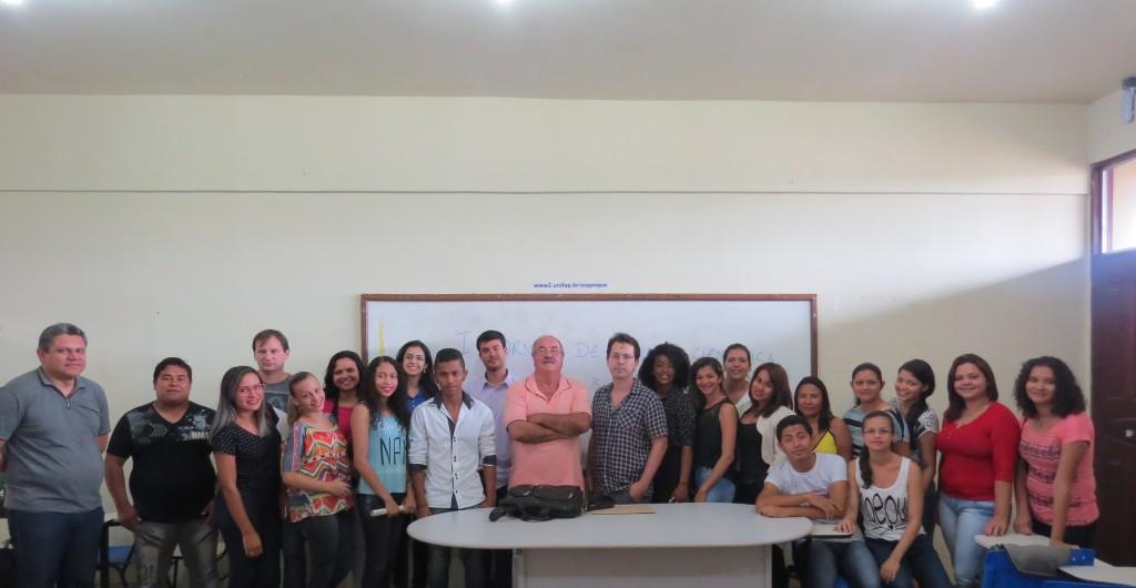 Alunos e professores participantes da I Jornada de Iniciação Científica do Campus Binacional.