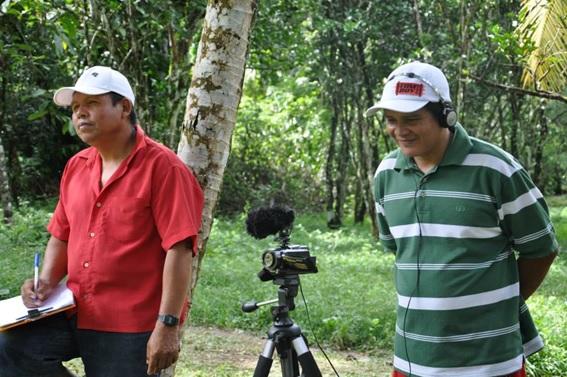 """Atividade prática do Projeto de Extensão """"Produção e Edição de Vídeos de Documentação com Povos Indígenas"""", 2013."""
