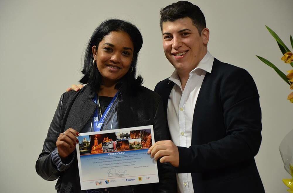 Fernanda Matos Fernandes Castelo Branco, sob orientação do Prof. Dr. Divane de Vargas.