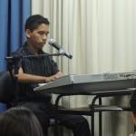 Perez cantando